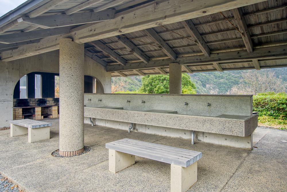 須佐湾エコロジーキャンプ場 炊事棟