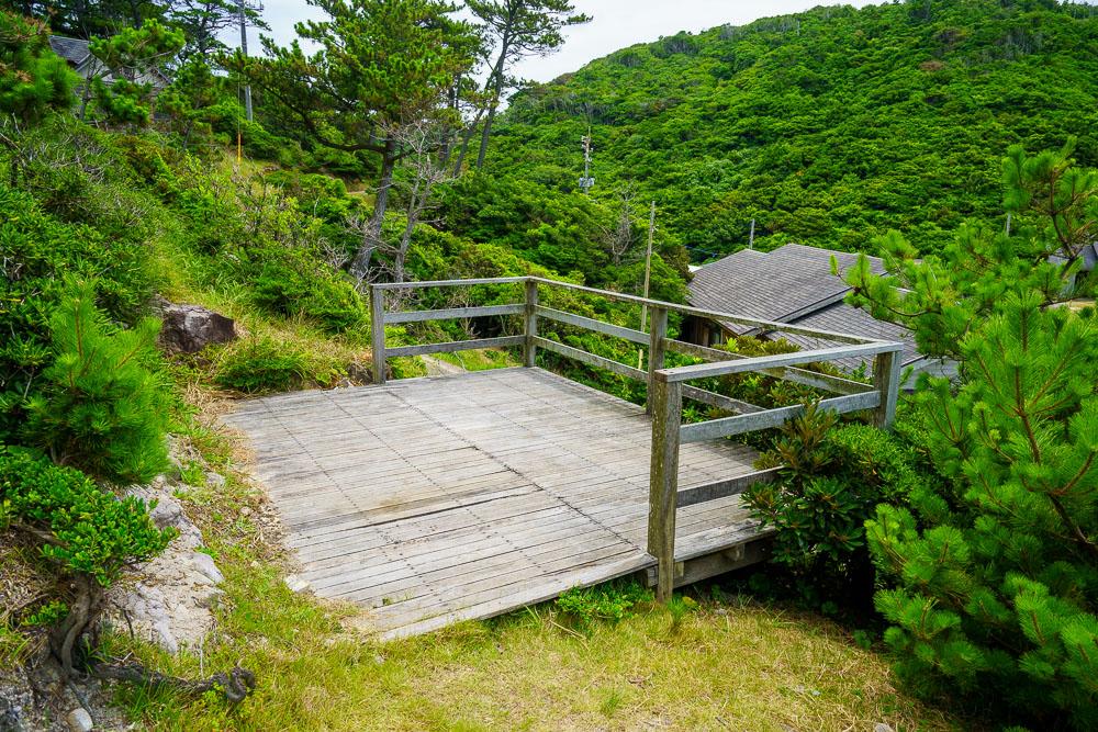 青海島キャンプ村 デッキサイト